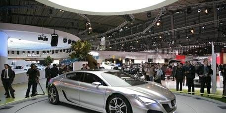 Tire, Wheel, Mode of transport, Automotive design, Vehicle, Land vehicle, Event, Transport, Car, Personal luxury car,