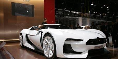 Automotive design, Mode of transport, Vehicle, Automotive mirror, Headlamp, Automotive lighting, Car, Sports car, Grille, Fender,