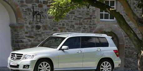 Tire, Wheel, Vehicle, Glass, Land vehicle, Automotive mirror, Rim, Transport, Car, Automotive tire,