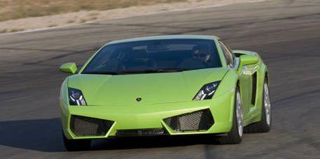 Motor vehicle, Mode of transport, Automotive design, Automotive exterior, Transport, Yellow, Vehicle, Headlamp, Hood, Green,