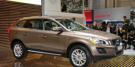 Tire, Wheel, Motor vehicle, Mode of transport, Vehicle, Product, Land vehicle, Automotive design, Glass, Car,