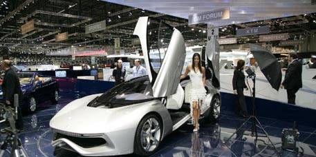 Motor vehicle, Tire, Mode of transport, Automotive design, Vehicle, Product, Event, Land vehicle, Transport, Car,