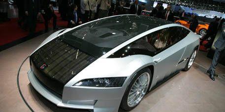 Motor vehicle, Tire, Mode of transport, Automotive design, Transport, Vehicle, Land vehicle, Automotive mirror, Automotive exterior, Headlamp,
