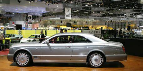 Tire, Wheel, Vehicle, Land vehicle, Automotive design, Automotive tire, Car, Rim, Alloy wheel, Automotive wheel system,
