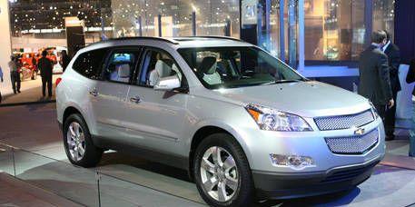 Tire, Wheel, Motor vehicle, Mode of transport, Automotive mirror, Vehicle, Transport, Product, Land vehicle, Automotive tire,