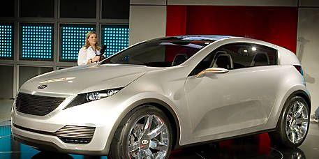 Automotive design, Vehicle, Event, Land vehicle, Car, Grille, Fender, Alloy wheel, Rim, Personal luxury car,