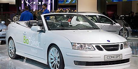Wheel, Tire, Mode of transport, Automotive design, Product, Vehicle, Land vehicle, Event, Car, Vehicle registration plate,