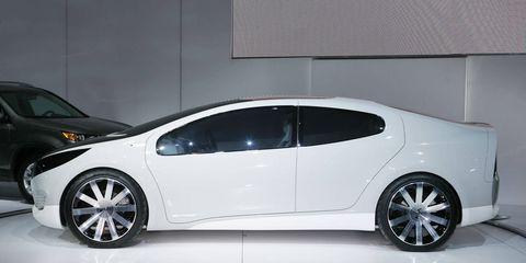 Automotive design, Vehicle, Car, Alloy wheel, Rim, Vehicle door, Fender, Automotive exterior, Automotive wheel system, Automotive mirror,