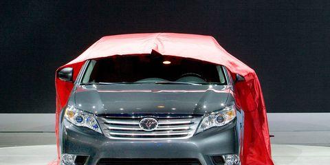 Mode of transport, Automotive design, Vehicle, Grille, Automotive lighting, Car, Glass, Headlamp, Technology, Automotive mirror,