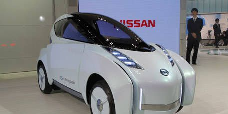 Motor vehicle, Mode of transport, Automotive design, Product, Transport, Vehicle, Land vehicle, Automotive mirror, Car, Automotive tire,