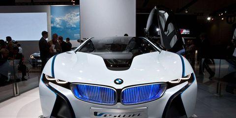 Automotive design, Mode of transport, Event, Vehicle, Grille, Car, Automotive exterior, Personal luxury car, Exhibition, Auto show,