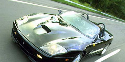 Motor vehicle, Mode of transport, Automotive design, Vehicle, Hood, Automotive mirror, Automotive parking light, Headlamp, Automotive lighting, Car,