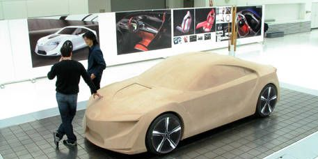 Wheel, Tire, Mode of transport, Automotive design, Automotive mirror, Land vehicle, Vehicle, Transport, Vehicle door, Car,