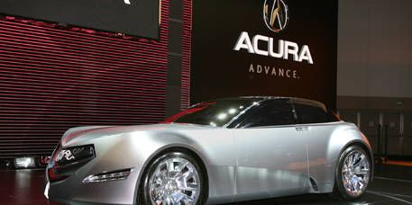 Tire, Wheel, Motor vehicle, Mode of transport, Automotive design, Vehicle, Transport, Automotive lighting, Alloy wheel, Rim,