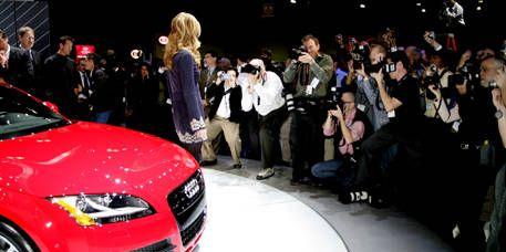 Automotive design, Product, People, Event, Vehicle, Land vehicle, Car, Grille, Headlamp, Crowd,
