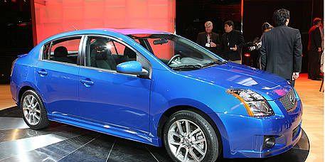 Tire, Wheel, Motor vehicle, Blue, Automotive design, Vehicle, Rim, Automotive tire, Car, Alloy wheel,