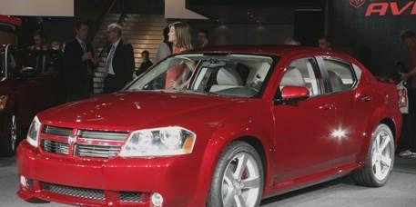 Tire, Wheel, Vehicle, Automotive design, Car, Alloy wheel, Rim, Automotive mirror, Fender, Automotive parking light,