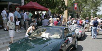 Clothing, Wheel, Mode of transport, People, Vehicle, Land vehicle, Headlamp, Automotive design, Car, Hood,