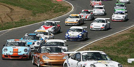 Vehicle, Land vehicle, Car, Motorsport, Automotive parking light, Automotive design, Sports car racing, Racing, Auto racing, Regularity rally,