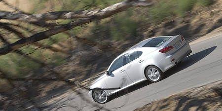 Tire, Wheel, Mode of transport, Automotive design, Vehicle, Land vehicle, Alloy wheel, Rim, Car, Automotive wheel system,