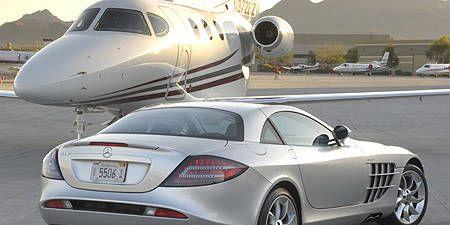 Mode of transport, Airplane, Automotive design, Vehicle, Transport, Airliner, Jet aircraft, Aircraft, Rim, Alloy wheel,
