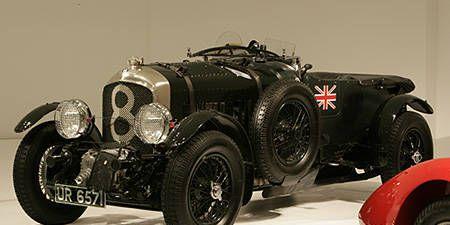 Tire, Wheel, Mode of transport, Automotive design, Automotive tire, Vehicle, Automotive wheel system, Photograph, Classic, Rim,