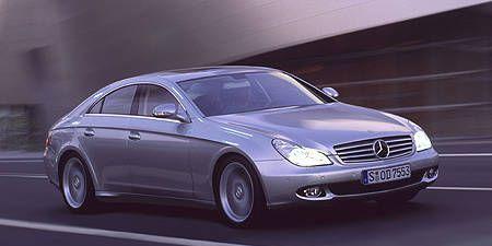 Tire, Wheel, Mode of transport, Automotive design, Vehicle, Automotive tire, Land vehicle, Rim, Car, Spoke,