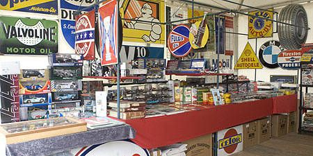 Logo, Trade, Retail, Stop sign, Signage, Market, Advertising, Marketplace, Box, Mechanical fan,