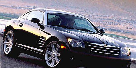 Tire, Motor vehicle, Wheel, Automotive design, Automotive tire, Vehicle, Land vehicle, Hood, Automotive lighting, Transport,