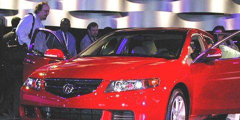 Automotive design, Vehicle, Event, Car, Technology, Automotive lighting, Fender, Mid-size car, Sedan, Full-size car,