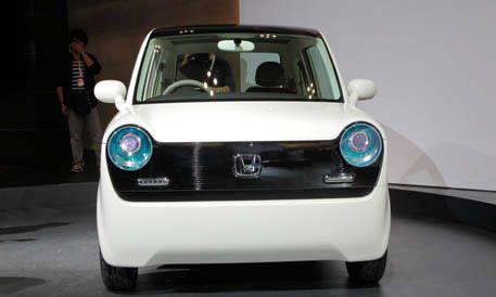 Automotive design, Mode of transport, Vehicle, Transport, Car, White, Automotive exterior, Automotive lighting, Automotive mirror, Light,