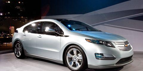 Tire, Wheel, Motor vehicle, Mode of transport, Automotive design, Vehicle, Product, Land vehicle, Event, Car,
