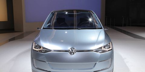 Automotive design, Product, Automotive exterior, Headlamp, Glass, Car, Grille, Automotive lighting, Automotive mirror, Bumper,