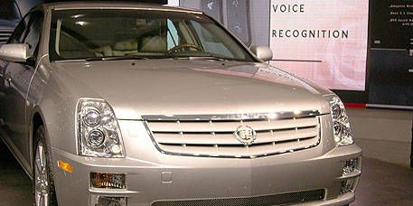 Motor vehicle, Wheel, Mode of transport, Automotive mirror, Vehicle, Transport, Automotive design, Land vehicle, Grille, Automotive lighting,