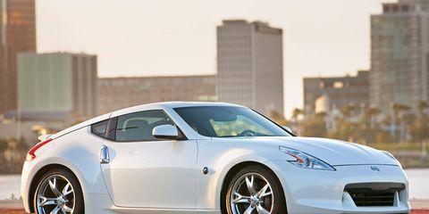 Tire, Wheel, Automotive design, Mode of transport, Vehicle, Land vehicle, Rim, Performance car, Car, Alloy wheel,