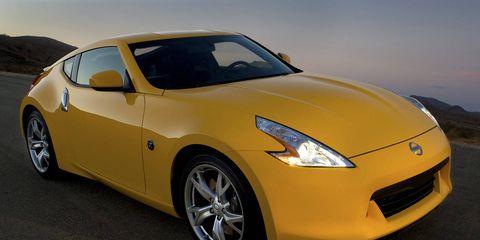 Tire, Wheel, Automotive design, Yellow, Vehicle, Headlamp, Automotive lighting, Performance car, Car, Hood,