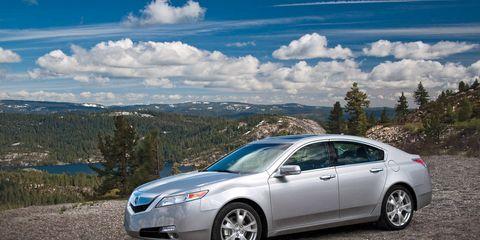 Wheel, Tire, Mode of transport, Vehicle, Automotive design, Infrastructure, Transport, Glass, Automotive mirror, Car,