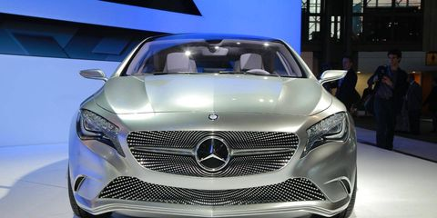 Mode of transport, Automotive design, Vehicle, Event, Grille, Land vehicle, Car, Personal luxury car, Mercedes-benz, Luxury vehicle,