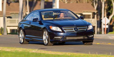 Tire, Wheel, Automotive design, Vehicle, Land vehicle, Car, Automotive tire, Alloy wheel, Rim, Automotive lighting,