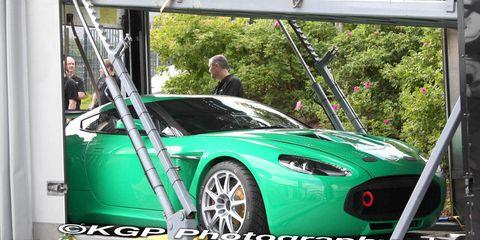 Motor vehicle, Tire, Automotive design, Vehicle, Performance car, Rim, Car, Fender, Automotive tire, Hood,