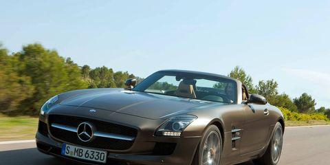 Mode of transport, Automotive mirror, Automotive design, Vehicle, Land vehicle, Hood, Road, Car, Mercedes-benz, Personal luxury car,