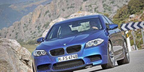 Automotive design, Vehicle, Hood, Grille, Road, Automotive exterior, Car, Bumper, Personal luxury car, Performance car,