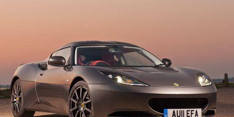 Tire, Motor vehicle, Wheel, Mode of transport, Automotive design, Vehicle, Transport, Rim, Automotive lighting, Performance car,