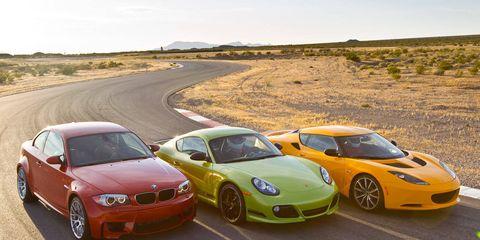 Automotive design, Vehicle, Land vehicle, Car, Performance car, Rim, Hood, Sports car, Fender, Luxury vehicle,