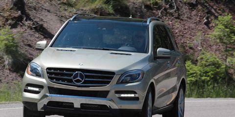 Mode of transport, Automotive design, Vehicle, Grille, Automotive mirror, Mercedes-benz, Hood, Automotive exterior, Car, Glass,