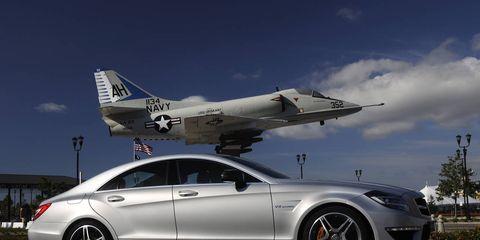 Tire, Wheel, Airplane, Automotive design, Alloy wheel, Vehicle, Rim, Spoke, Automotive tire, Car,