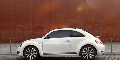 Tire, Wheel, Automotive design, Vehicle, Automotive tire, Alloy wheel, Rim, Automotive exterior, Car, Automotive lighting,