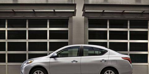Tire, Wheel, Vehicle, Alloy wheel, Car, Glass, Full-size car, Rim, Fender, Mid-size car,