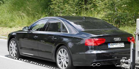 Tire, Automotive design, Vehicle, Rim, Infrastructure, Alloy wheel, Automotive tire, Car, Spoke, Vehicle registration plate,
