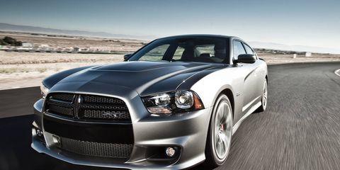 Motor vehicle, Tire, Automotive design, Automotive tire, Automotive lighting, Vehicle, Headlamp, Hood, Rim, Grille,